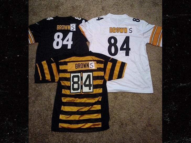 online retailer 1454f 020bb Steelers' Antonio Brown Rocks New 'Browns' Gear, Let's Go ...