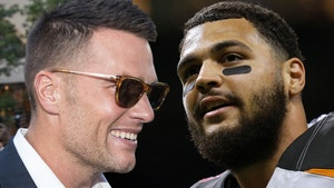 Mike Evans Stoked to Play With Tom Brady, So Happy I'm Boozing!