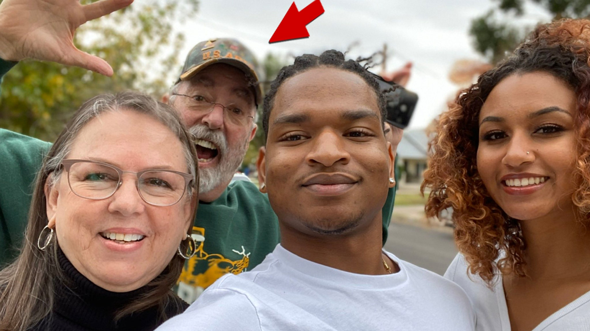 COVID-19 Claims Husband of Grandma Who Texted Wrong Teen at Thanksgiving