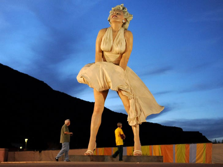 Marilyn Monroe Statue Sparks Outrage in Palm Springs After 7-Year Hiatus.jpg