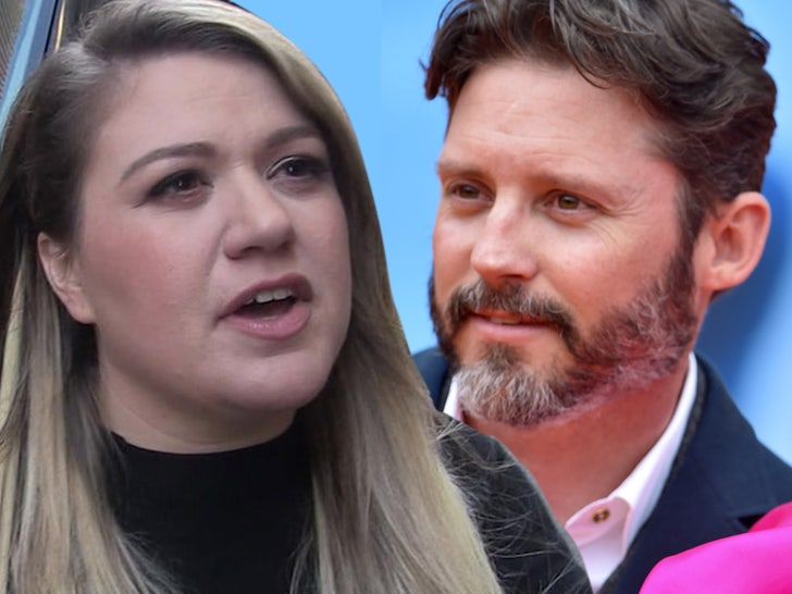 Kelly Clarkson Has to Pay Ex-Hubby $200k/Mo. in Spousal & Child Support.jpg