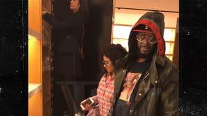 R. Kelly Seen Shopping with 'Brainwashed Sex Slave' Joycelyn Savage