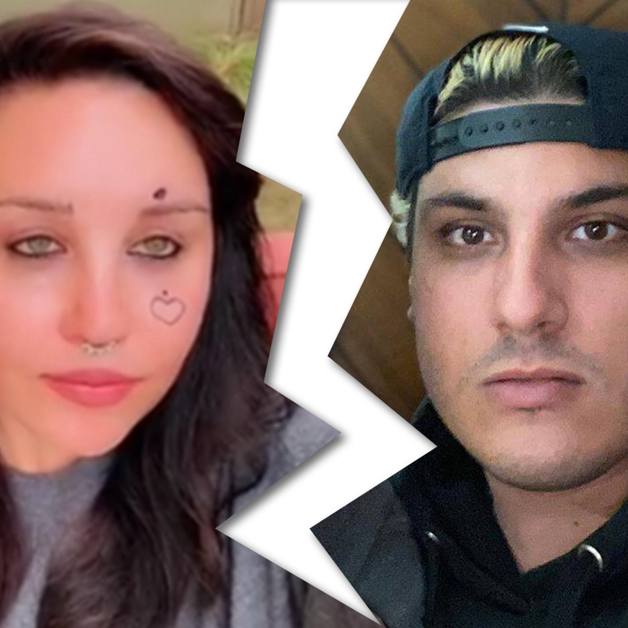 Amanda bynes is dating hope dating