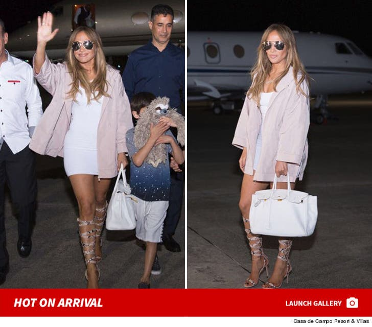 Jennifer Lopez -- Hot Arrival at Dominican Republic