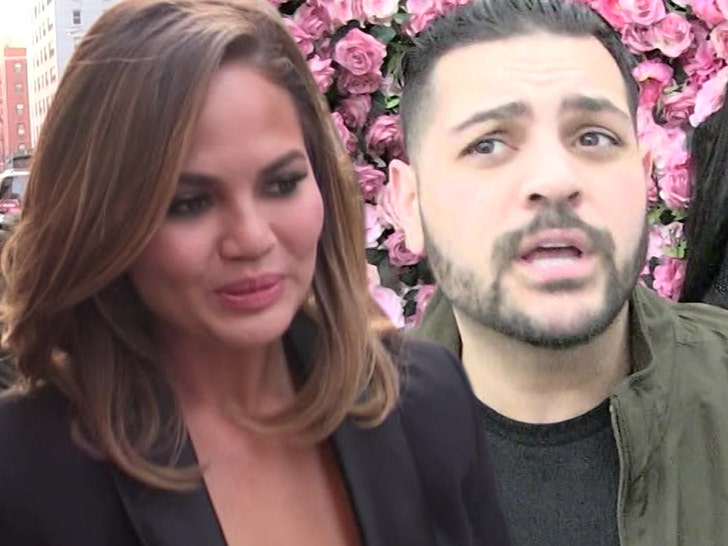 Chrissy Teigen Rips Michael Costello, He Insists He's Telling the Truth.jpg