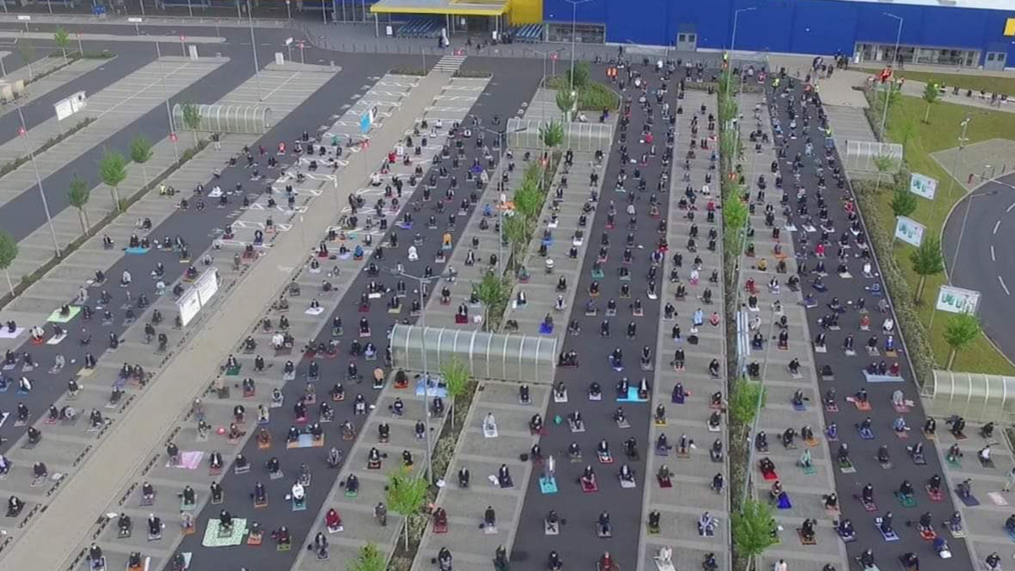 IKEA Muslims Gather in Parking Lot ... Perfect Spot for Safe Group Prayer