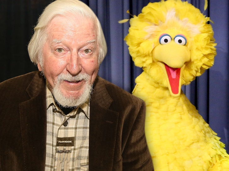 Big Bird Muppeteer of almost  50 years, Caroll Spinney dead at 85