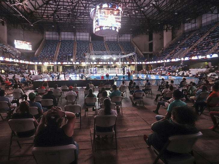 People Gather To Watch Boxing in Nicaragua Amid Coronavirus Pandemic