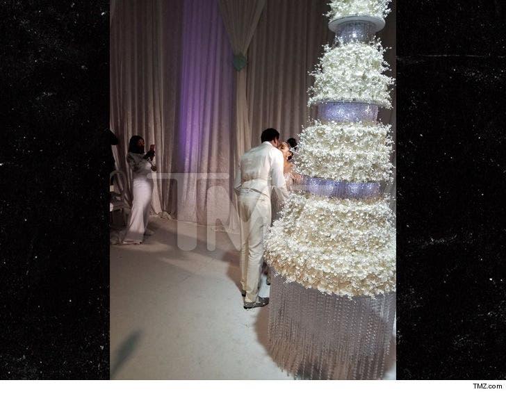 Gucci Mane and Keyshia\u0027s Wedding Cake Cost $75k, Took Months