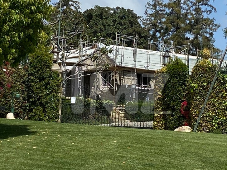 Playboy Mansion -- Under Construction