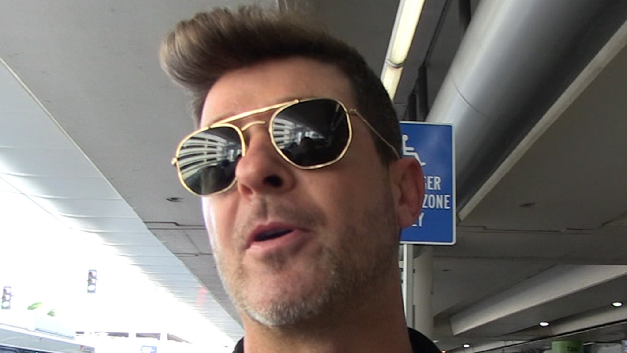 Robin Thicke Says Jay-Z's Getting People Talking, Sit or Stand