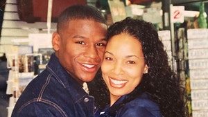 Floyd Mayweather Remembers Late Ex-GF Josie Harris With Family Pics