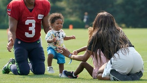 Russell Wilson And Ciara's Son, Win, Takes First Steps At Seahawks Practice