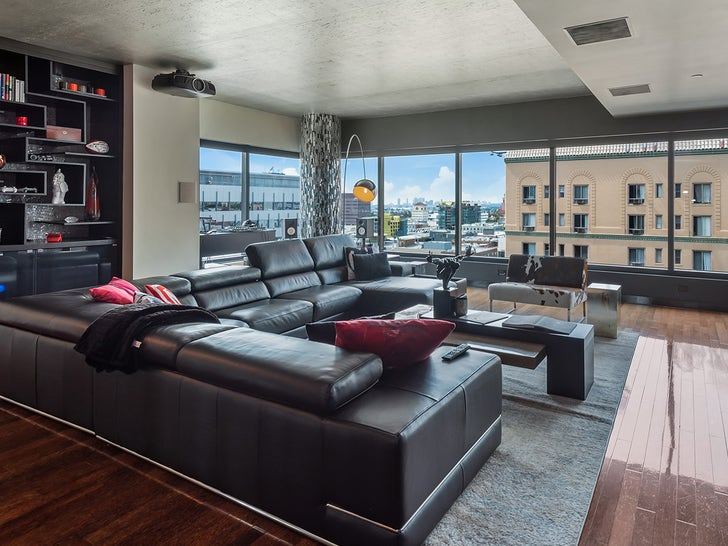 Marcedes Lewis' Cool Condo -- For $ALE!