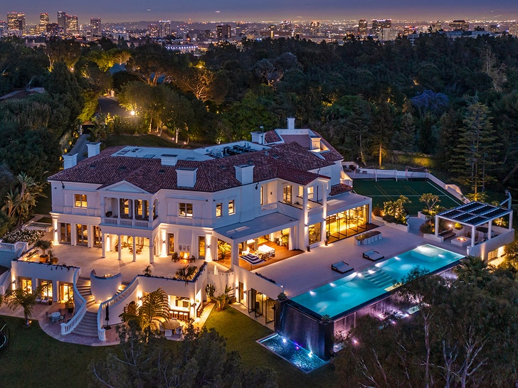 The Weeknd Membeli Rumah Baru 70 Juta Dolar di Bel Air