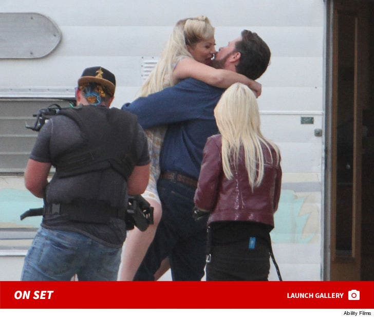 Tori Spelling And Dean McDermott's Steamy Make Out On 'Sharknado' Set