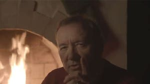 Kevin Spacey As Frank Underwood in Another Bizarre Christmas Eve Video