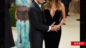 Hailey Bieber's Not Pregnant Despite Justin Holding Her Stomach at Met Gala