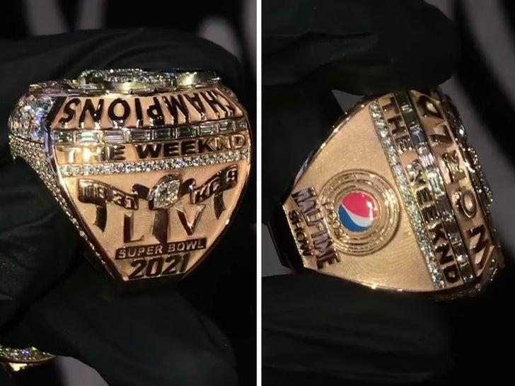 The Weeknd получает изготовленное на заказ кольцо Суперкубка с бриллиантами после потрясающего шоу в перерыве между таймами