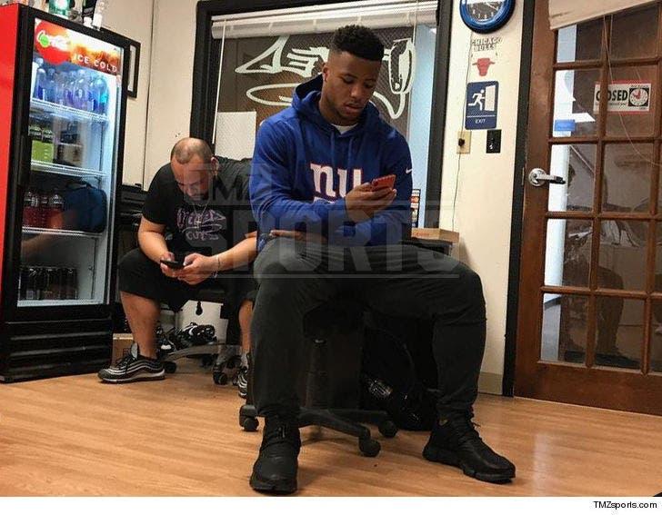 size 40 20512 c38e8 Saquon Barkley Rocks NY Giants Gear to Barber Shop