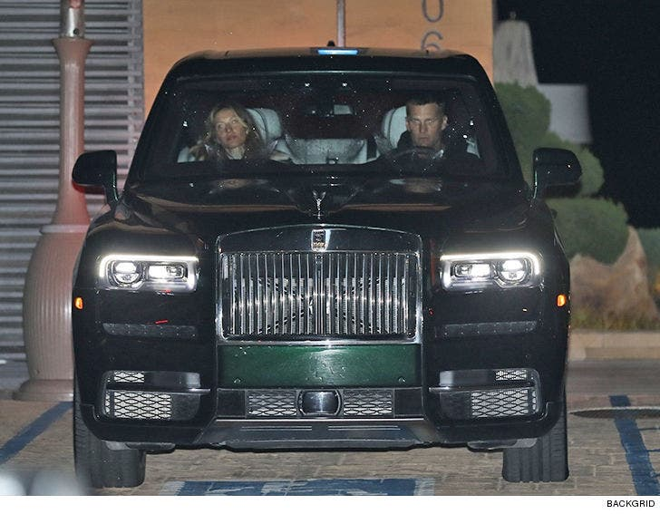 Tom Brady Qb S Rolls Royce In Malibu Aston Martin In The Shop
