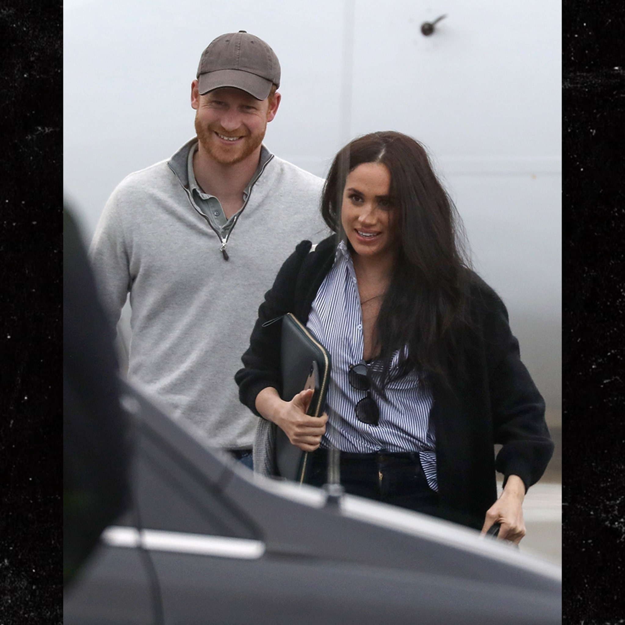 meghan markle and prince harry all smiles after california trip meghan markle and prince harry all