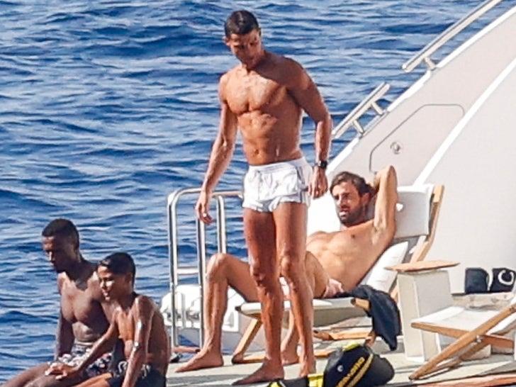 Cristiano Ronaldo's Shirtless Yacht Shots In Mallorca