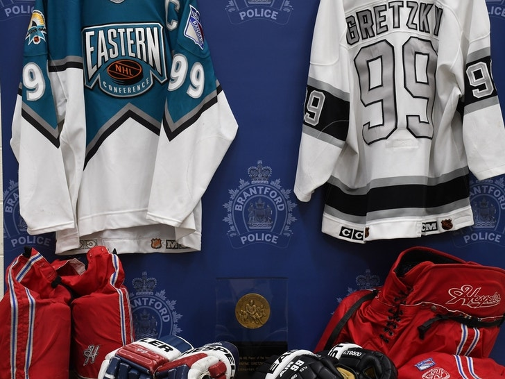 Wayne Gretzky Memorabilia Recovered By Brantford Police