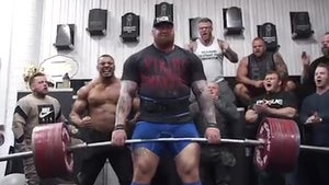 'The Mountain' Deadlifts 1,042 POUNDS ... Insane Feat Of Strength