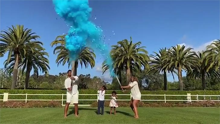Russell Wilson and Ciara do the social-media gender reveal