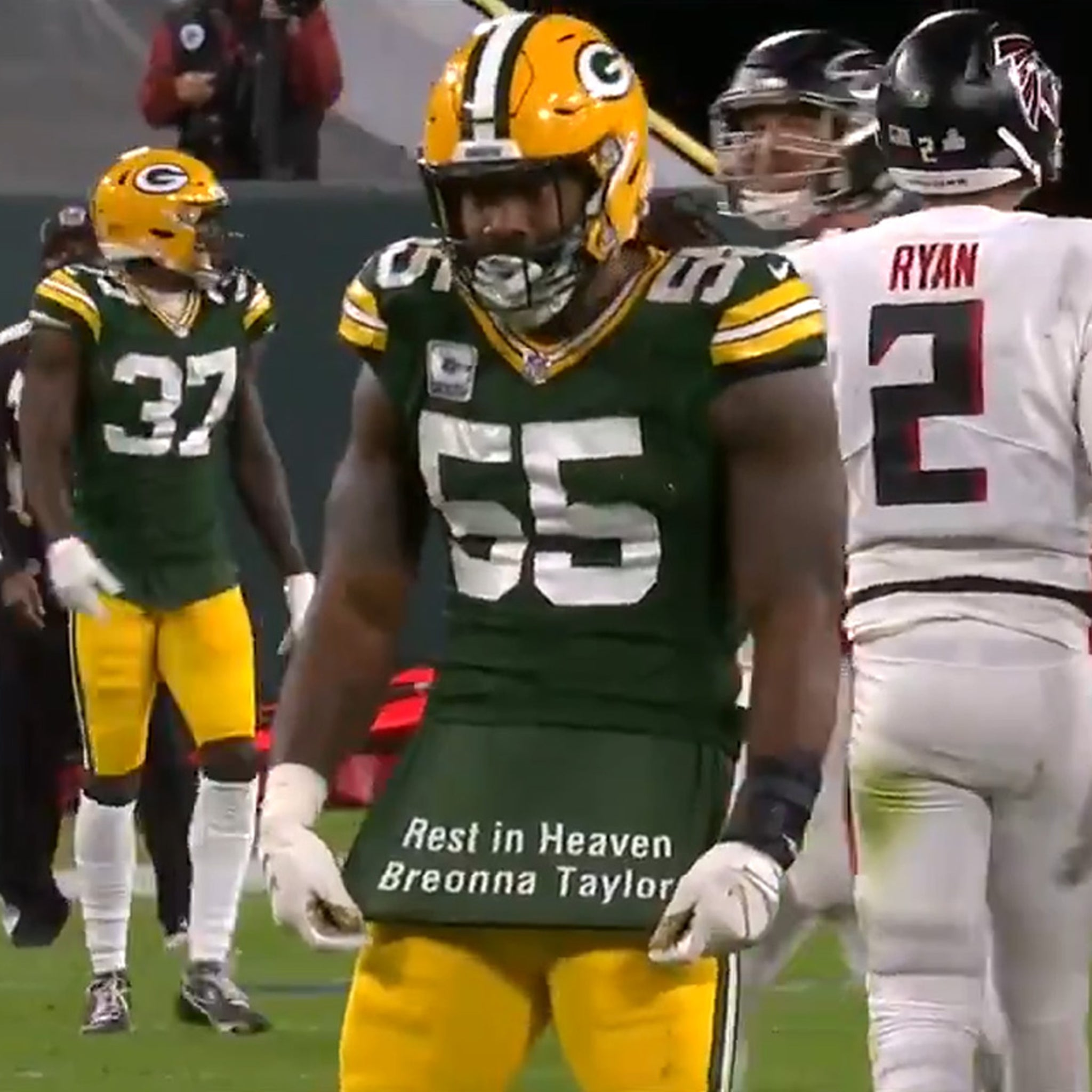Packers' Za'Darius Smith Honors Breonna Taylor Mid-Game, 'Rest In ...