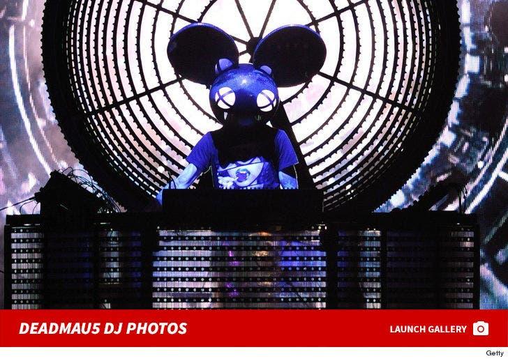 Deadmau5 DJ Photos