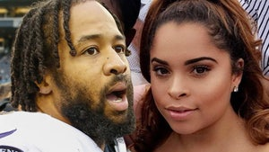 NFL's Earl Thomas Held At Gunpoint By Wife In Violent Standoff, Cops Say
