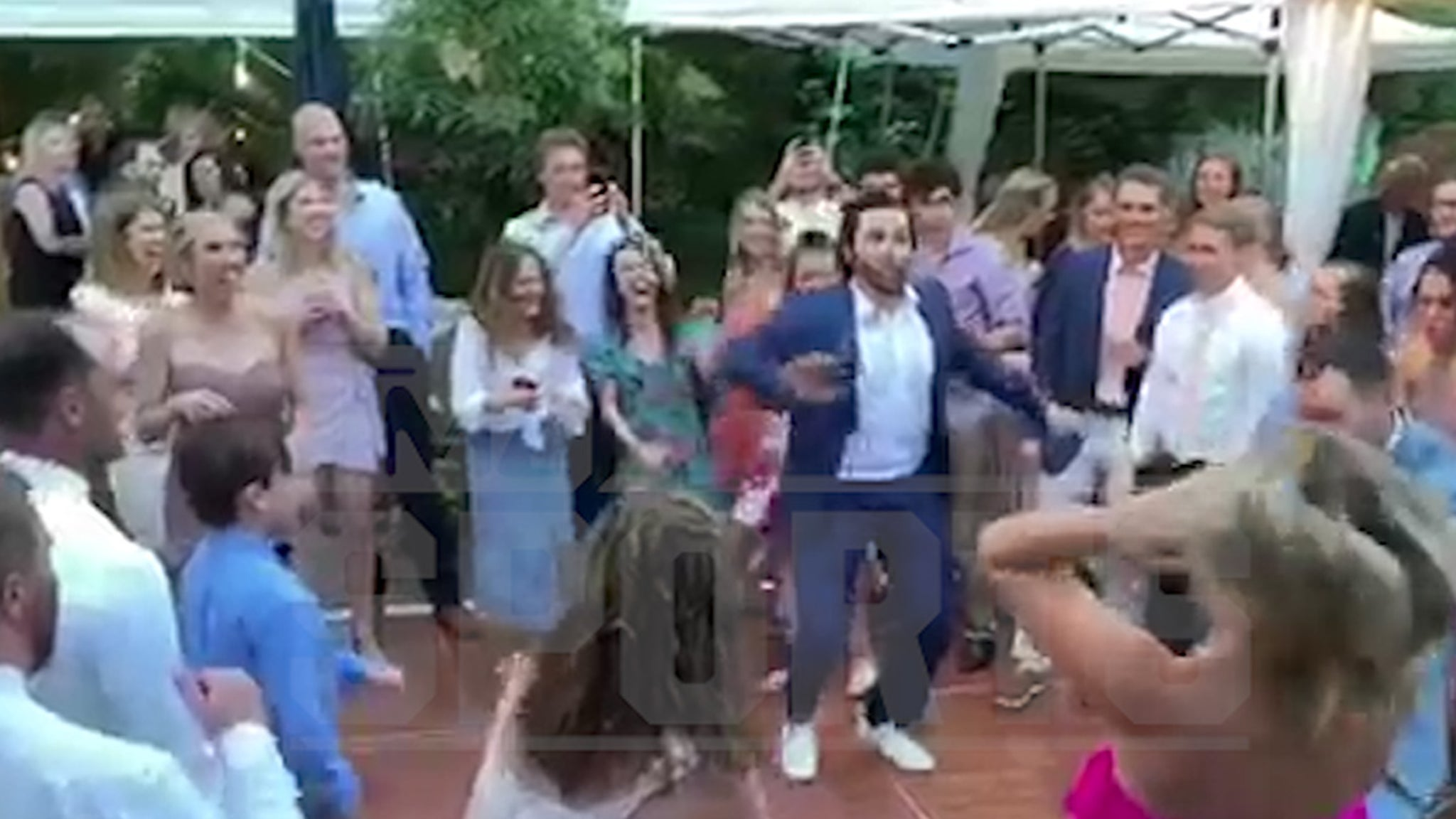 Baker Mayfield Cuts Rug In Wedding Dance Circle, Channels OU Days!