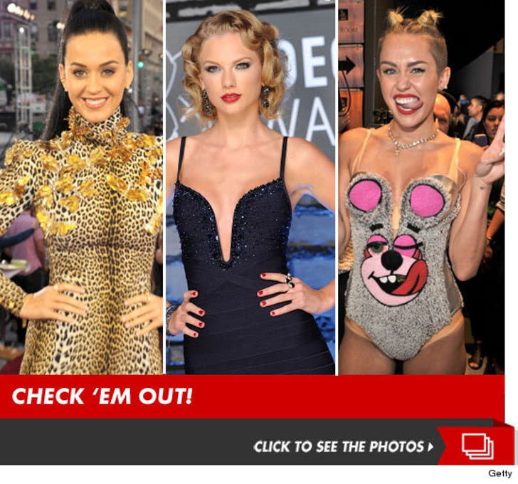 2013 MTV VMA's -- Hits, Runs and Errors!