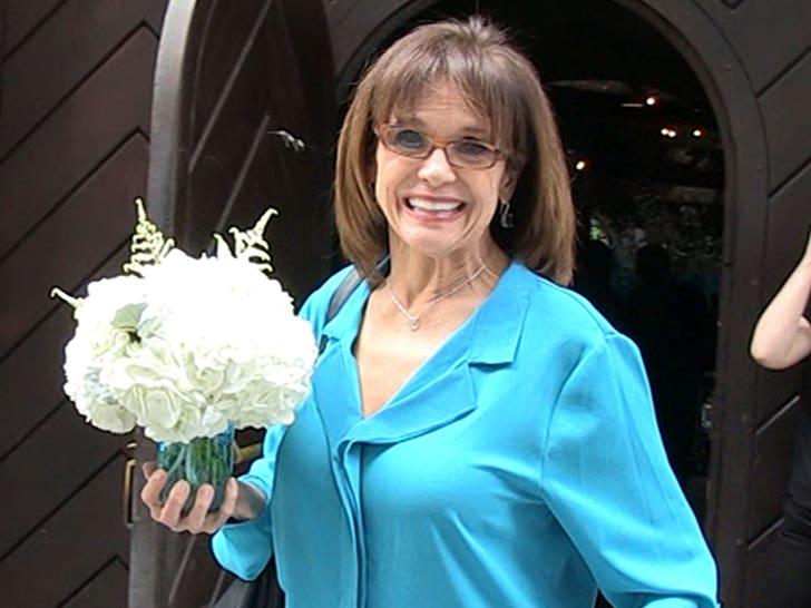 Valerie Harper, Rhoda on Mary Tyler Moore Show, dies at 80