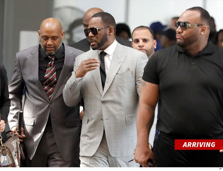 R  Kelly Pleads Not Guilty to New Sexual Assault Charges