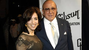 Music Mogul Clive Davis -- Named 'Other Man' in Adultery Divorce