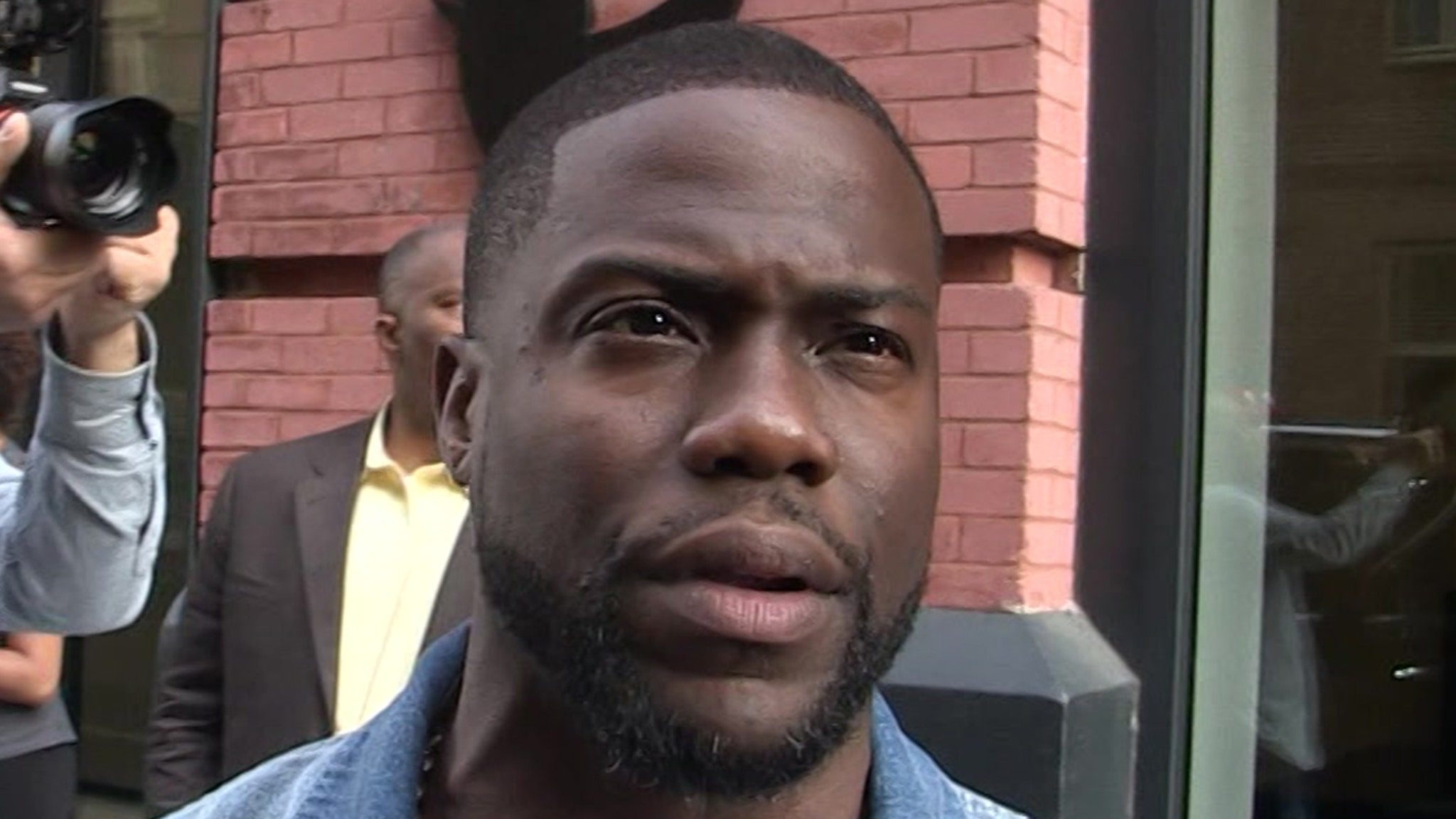 Kevin Hart Lawsuit Almost Certain in Car Crash