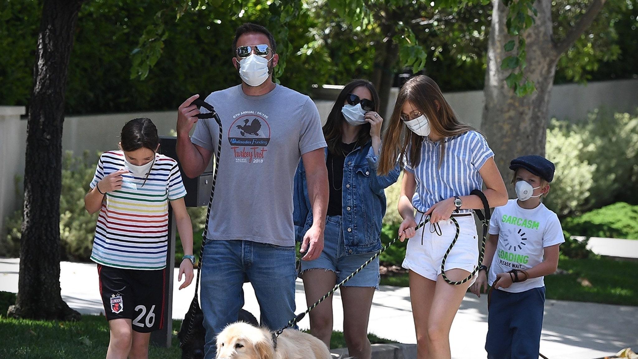 Ben Affleck Introduces His Kids to Ana de Armas, Go for Family Dog ...