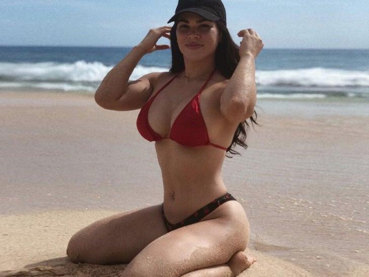 Rachael Ostovich Hot Shots