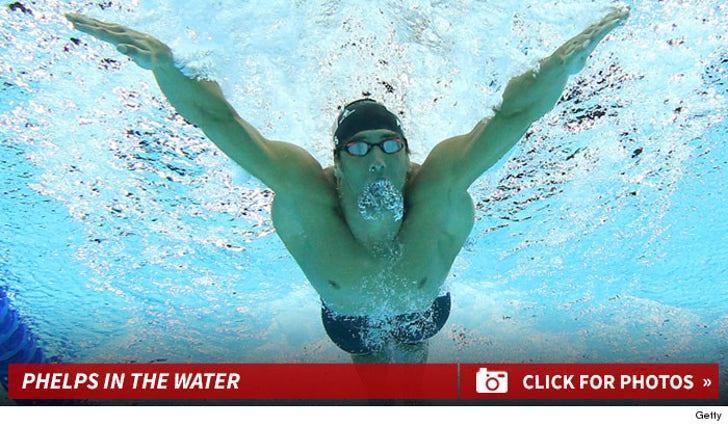 Michael Phelps' Pool Pics