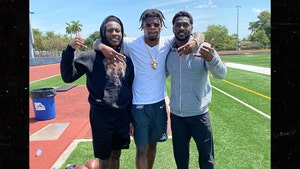 Antonio Brown Works Out With Lamar Jackson & Hollywood Brown, Future Raven?