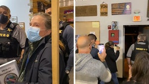 NY Authorities Try to Shut Down Biz Meeting, Chased Off by Anti-Maskers