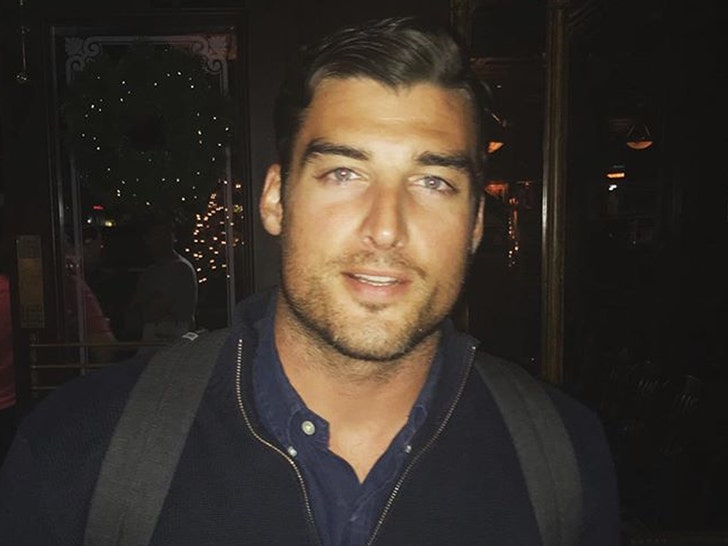 The Bachelorette's Tyler Gwozdz Dead at 29