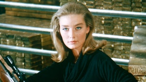 'Goldfinger' Bond Girl Tania Mallet Dead at 77