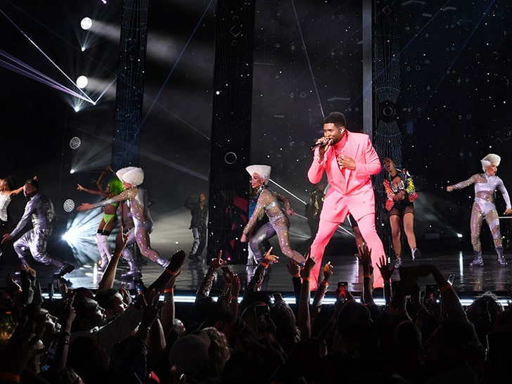 Usher Opens Vegas Residency with a Bang, Turns Into Sing-Along.jpg