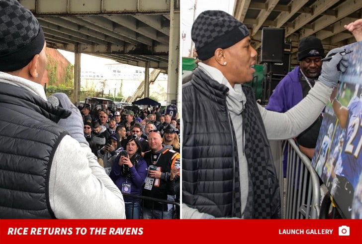 Ray Rice Returns to Ravens for 'Legends of the Game' Ceremony