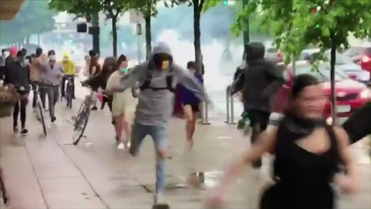 Protesters Clash with Police in Minneapolis Following George Floyd's Death - EpicNews