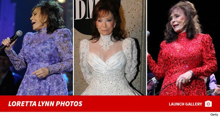 Loretta Lynn Photos